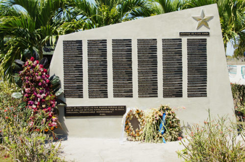 Memorial to the dead at Giron